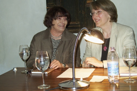 Hannah Krall und Renate Schmidgall
